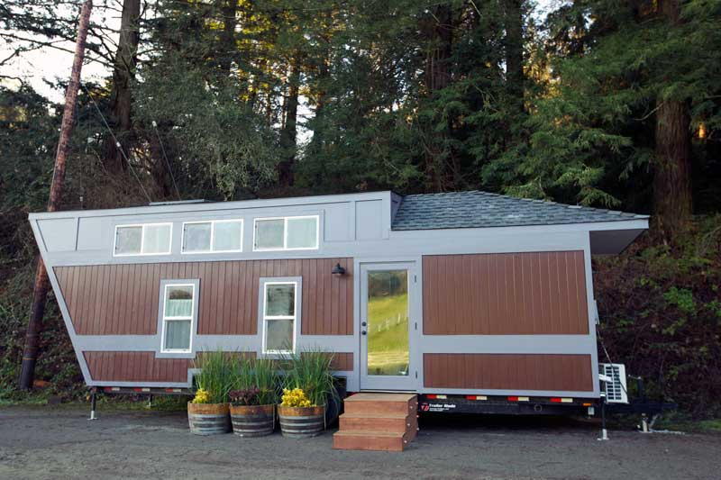 370 Sq Ft Triathlete S Tiny Abode Humless
